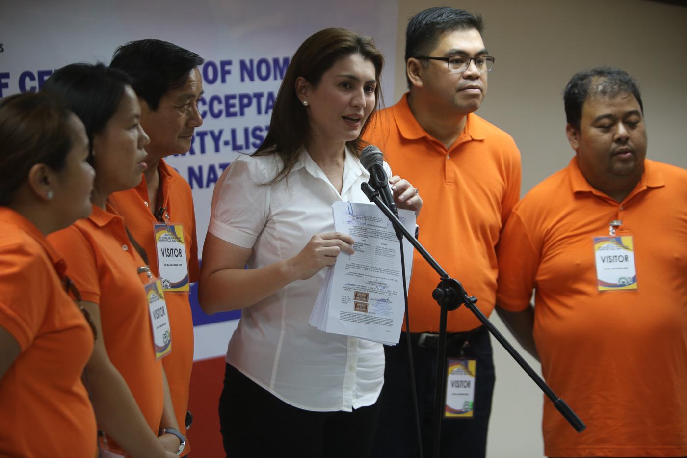 Leyte Representative Yedda Marie Romualdez (in white blouse) lead other nominees of Tingog Sinirangan. Photo by Ben Nabong/Rappler