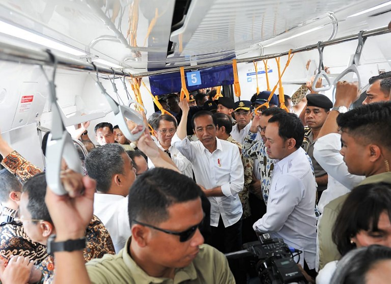 NEW RAILWAY. Indonesian President Joko Widodo takes a ride in the soon to be launched Mass Rapid Transit in Jakarta, March 19, 2019. Photo from Indonesian Presidential Palace/AFP
