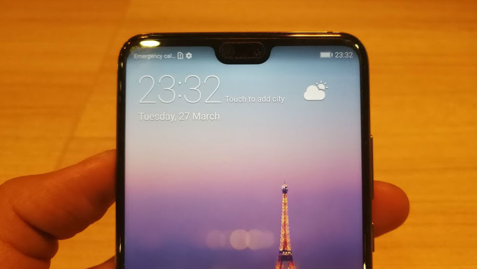 SMALLER NOTCH. The notch on the P20 is about a third of the notch on the iPhone X. Photo by Gelo Gonzales/Rappler