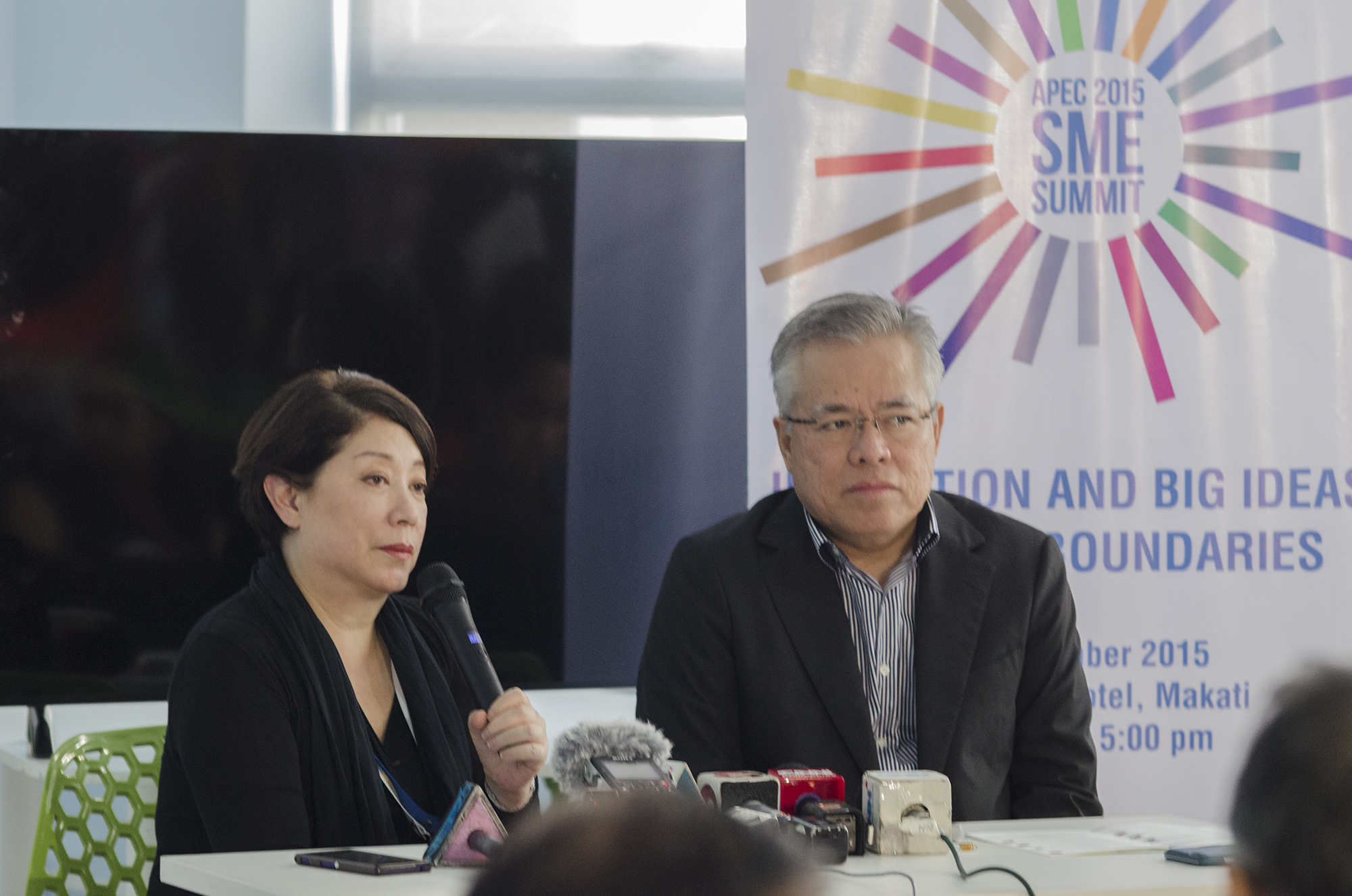 ADVISERS. Doris Magsaysay-Ho and Ramon Lopez share their recommendations for what needs to be done post-Asia-Pacific Economic Cooperation. Photo by Rob Reyes/Rappler