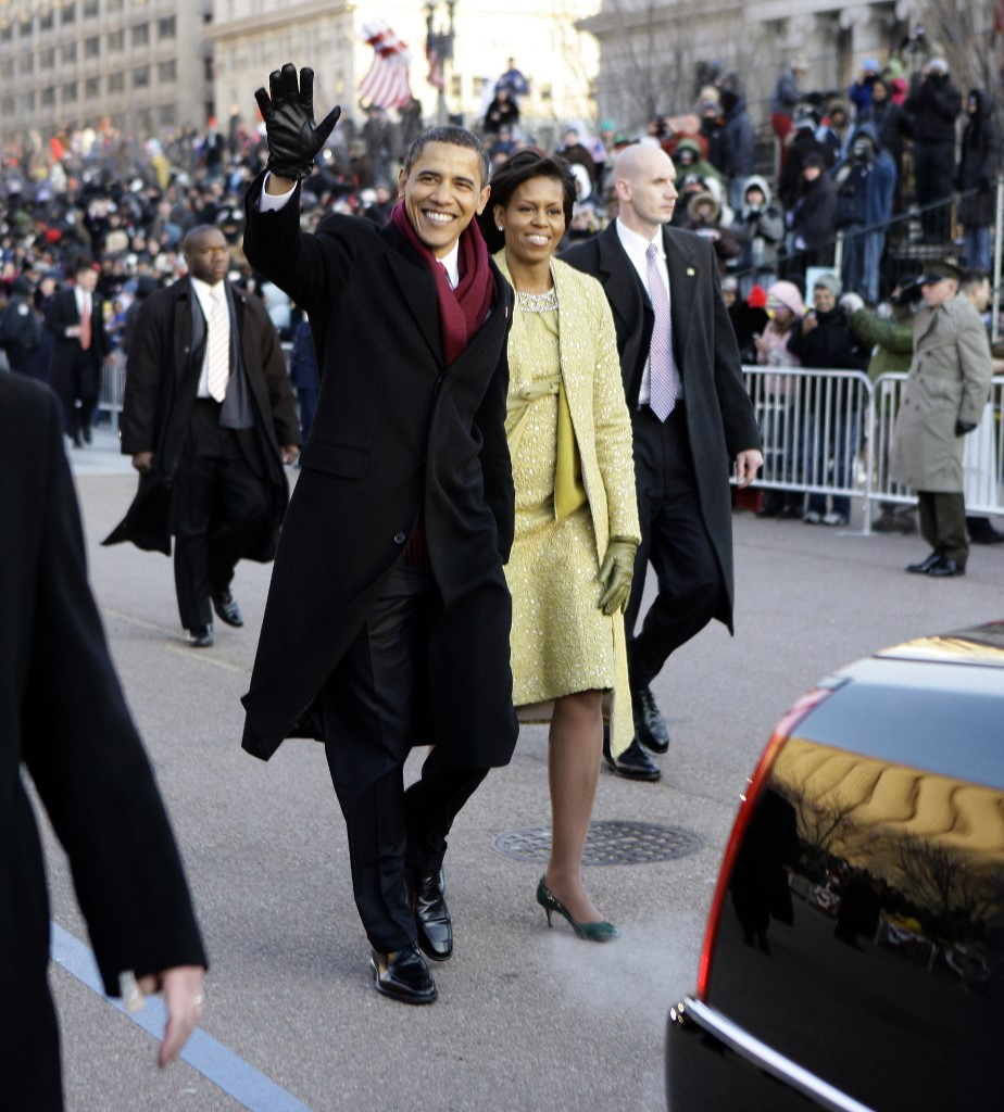 INAGURAL 2009. File photo shows former US President Barack Obama and First Lady Michelle walk the Inaugural Parade route after Obama was sworn in as 44th US president January 20, 2009 in Washington, DC. Michelle wore an Isabel Toledo dress for the event. Photo by Doug Mills / POOL / AFP