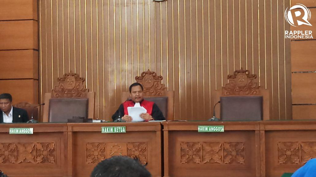 SIDANG PRA PERADILAN. Hakim tunggal Kusno tengah menyidangkan gugatan pra peradilan Setya Novanto pada 30 November lalu. Foto oleh Brian Argawana/Rappler