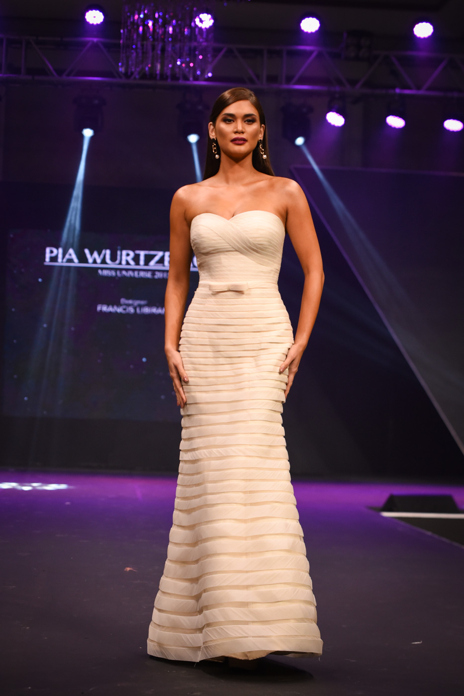 Miss Universe 2015 Pia Wurtzbach in a white gown by Francis Libiran