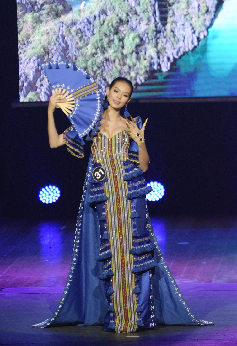 MODERN TERNO. Jehza during the national costume show. File photo by Alecs Ongcal/Rappler
