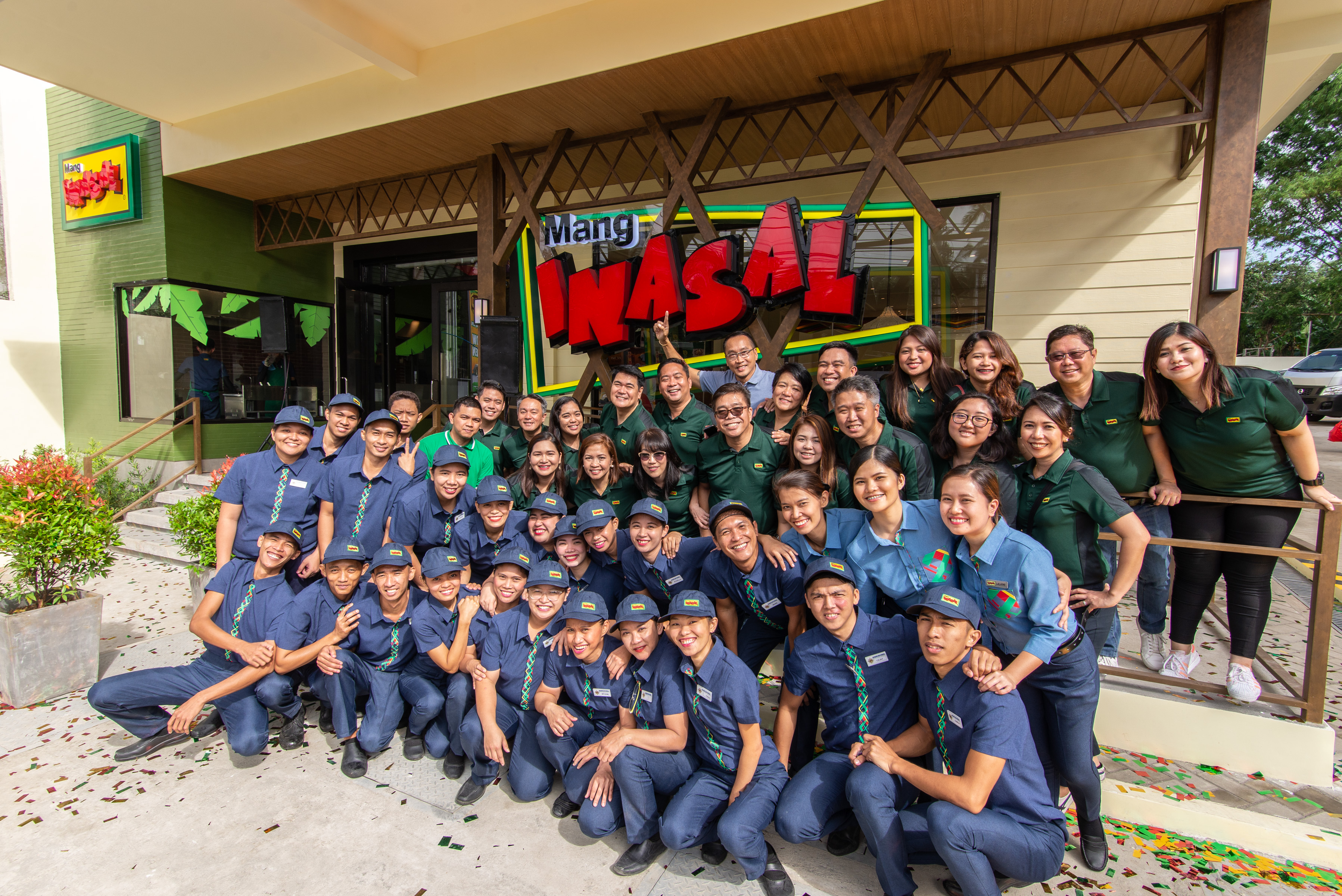 Team Mang Inasal is ready to serve customers