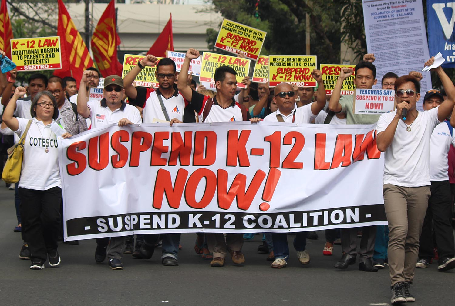 'UNPREPARED.' In this file photo, educators from different colleges and universities march to Supreme Court, calling for the immediate suspension of the 'unprepared' and 'ill-designed' K to 12 program. Photo by Joel Leporada/Rappler