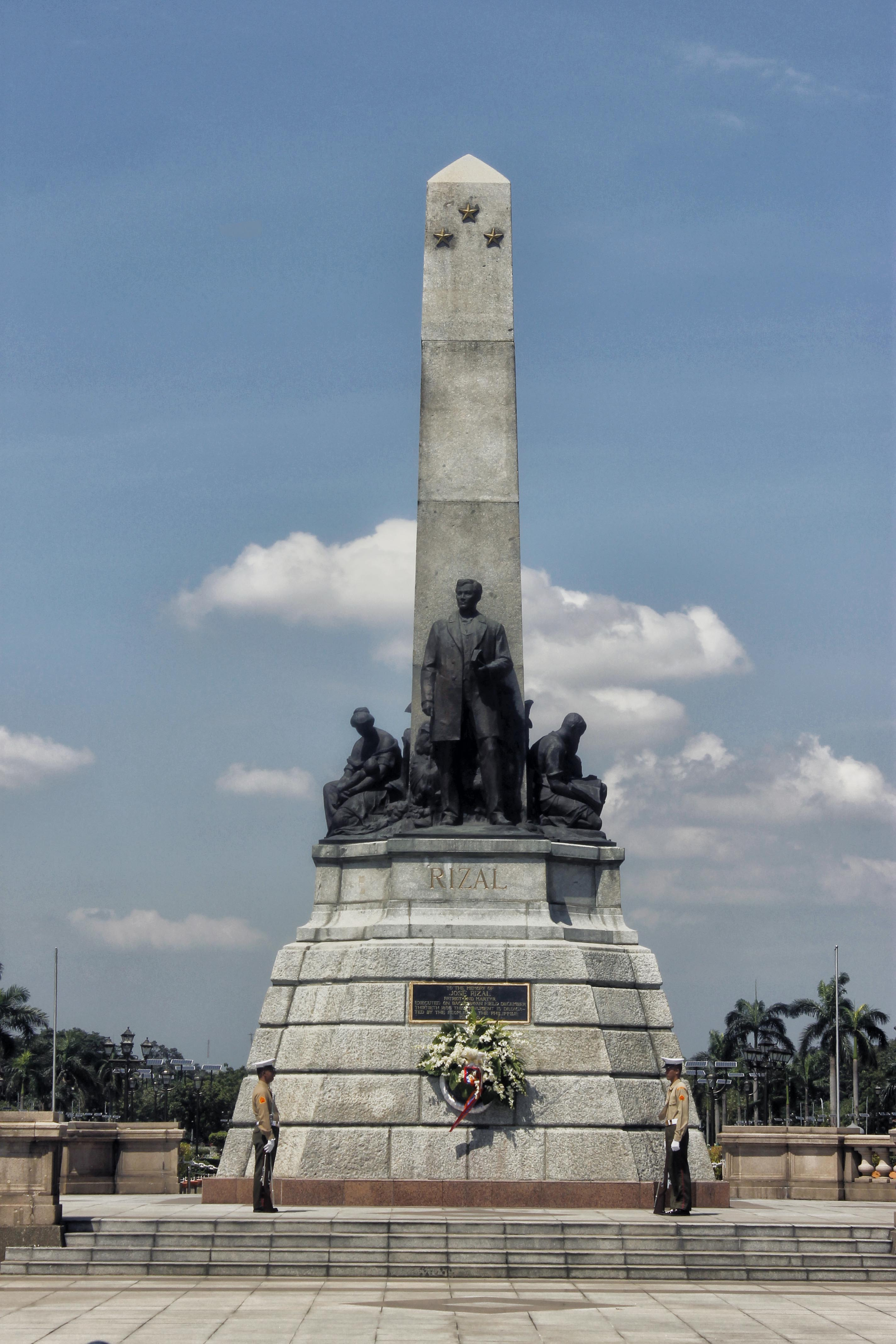 GLORY DAYS. The Rizal Monument is perhaps Manilau00e2u0080u0099s famous landmark, photographed here before the rise of a photobombing building. Photo by Louie Lapat