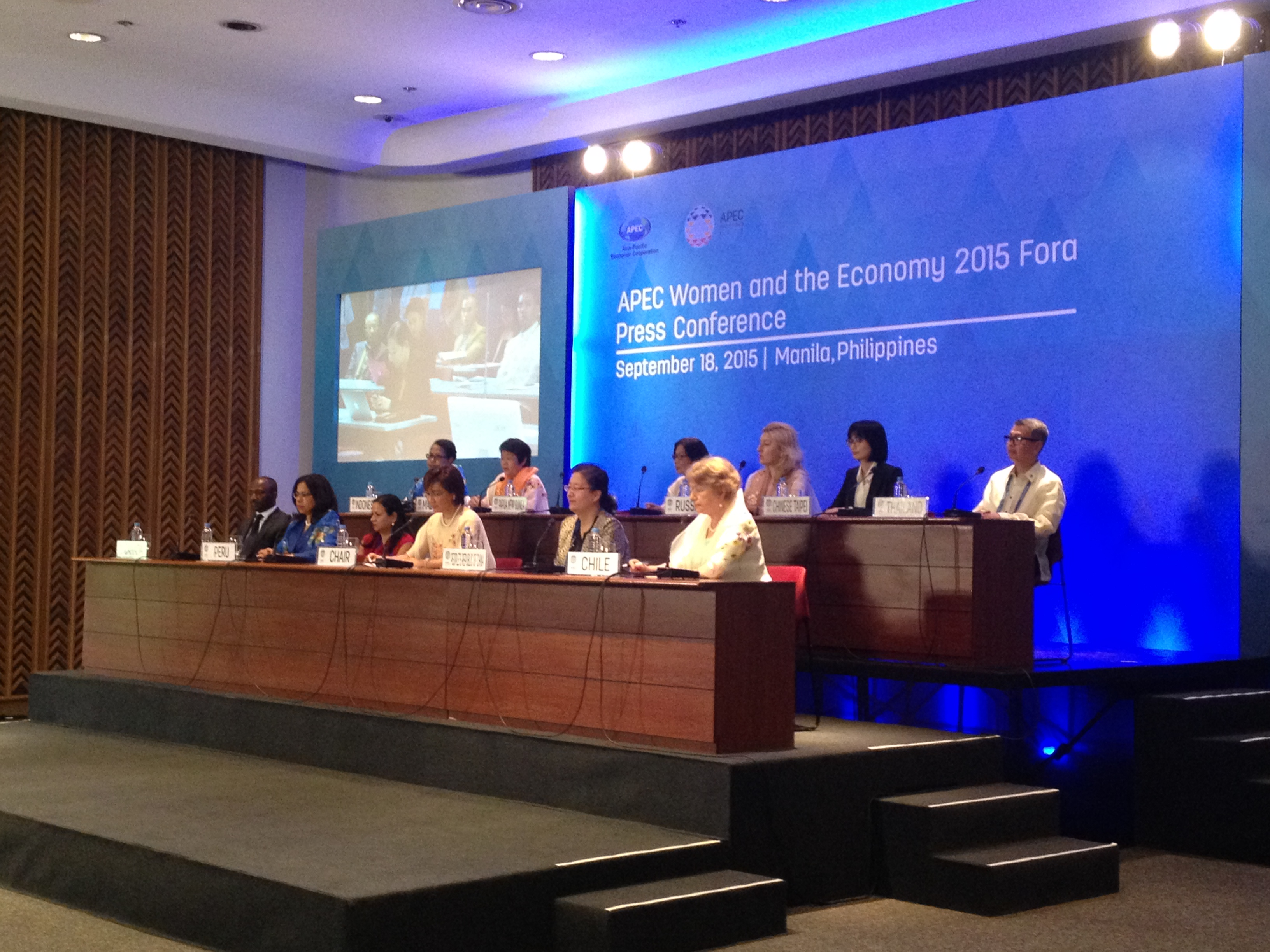 JOINT STATEMENT. APEC leaders release a 35-point joint statement (plus two annexes) on Friday, September 18, 2015, as a recognition to women's contribution for economic development and prosperity in the region and beyond. All photos by Lynda C. Corpuz / Rappler