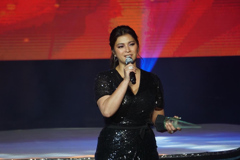 BEST ACTRESS. Angel Locsin gives a speech after receiving the Best Actress award.