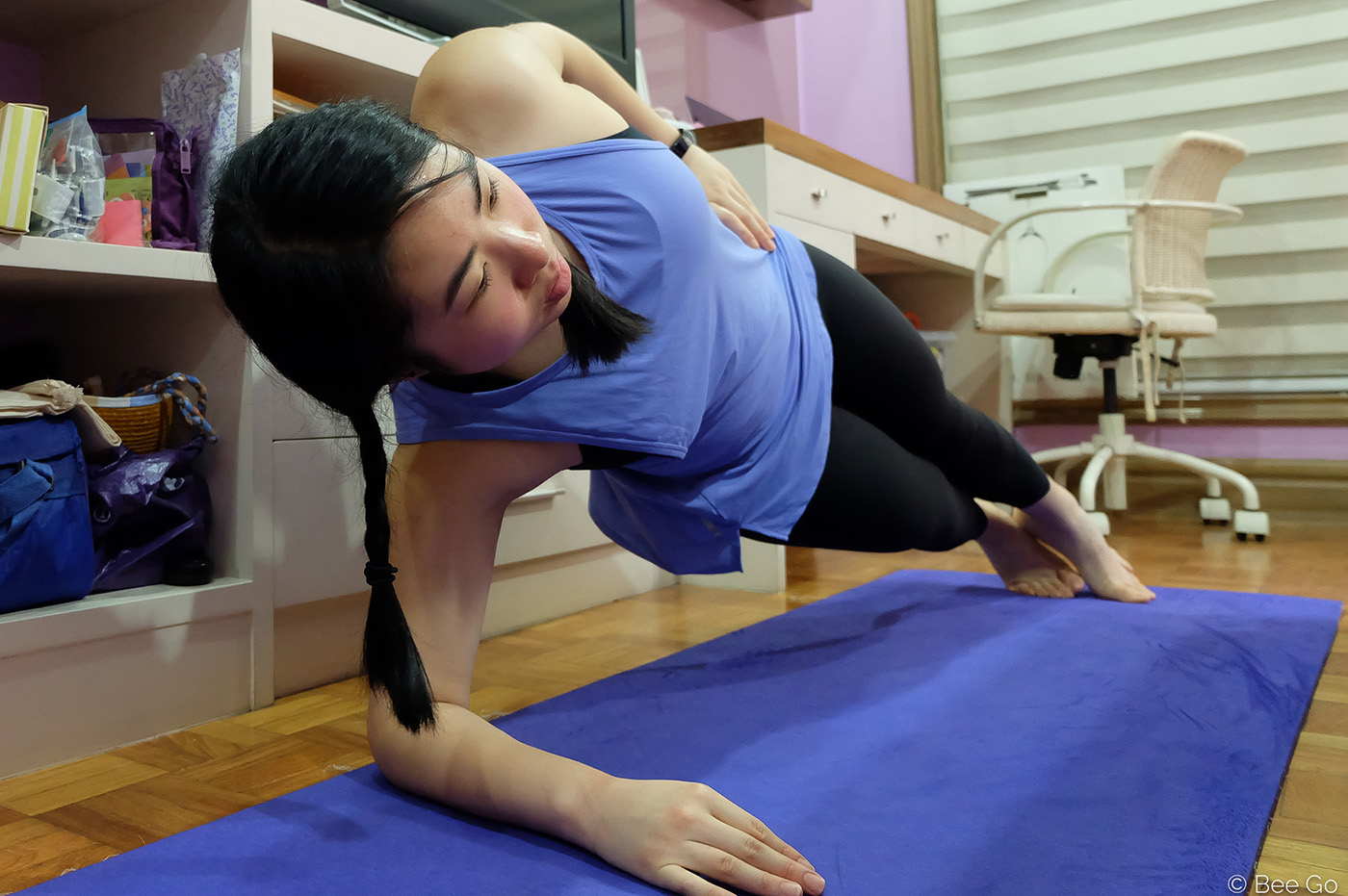 SIDE PLANK. You can work on your obliques by getting onto the side of your plank. Photo by Beatrice Go/Rappler