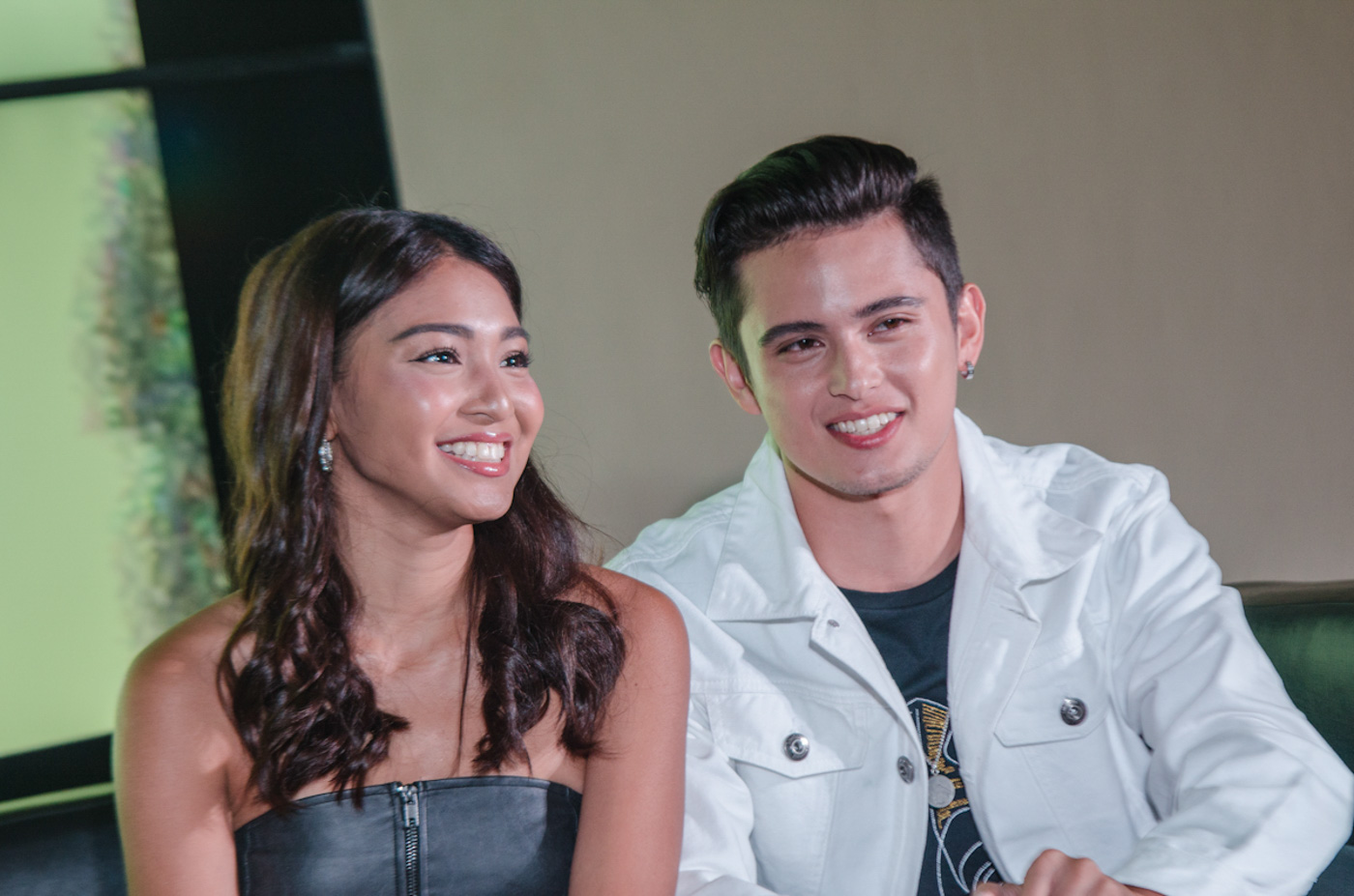 HAPPY COUPLE. Nadine Lustre and James Reid at a press conference in January 2018. File photo by Rob Reyes/Rappler