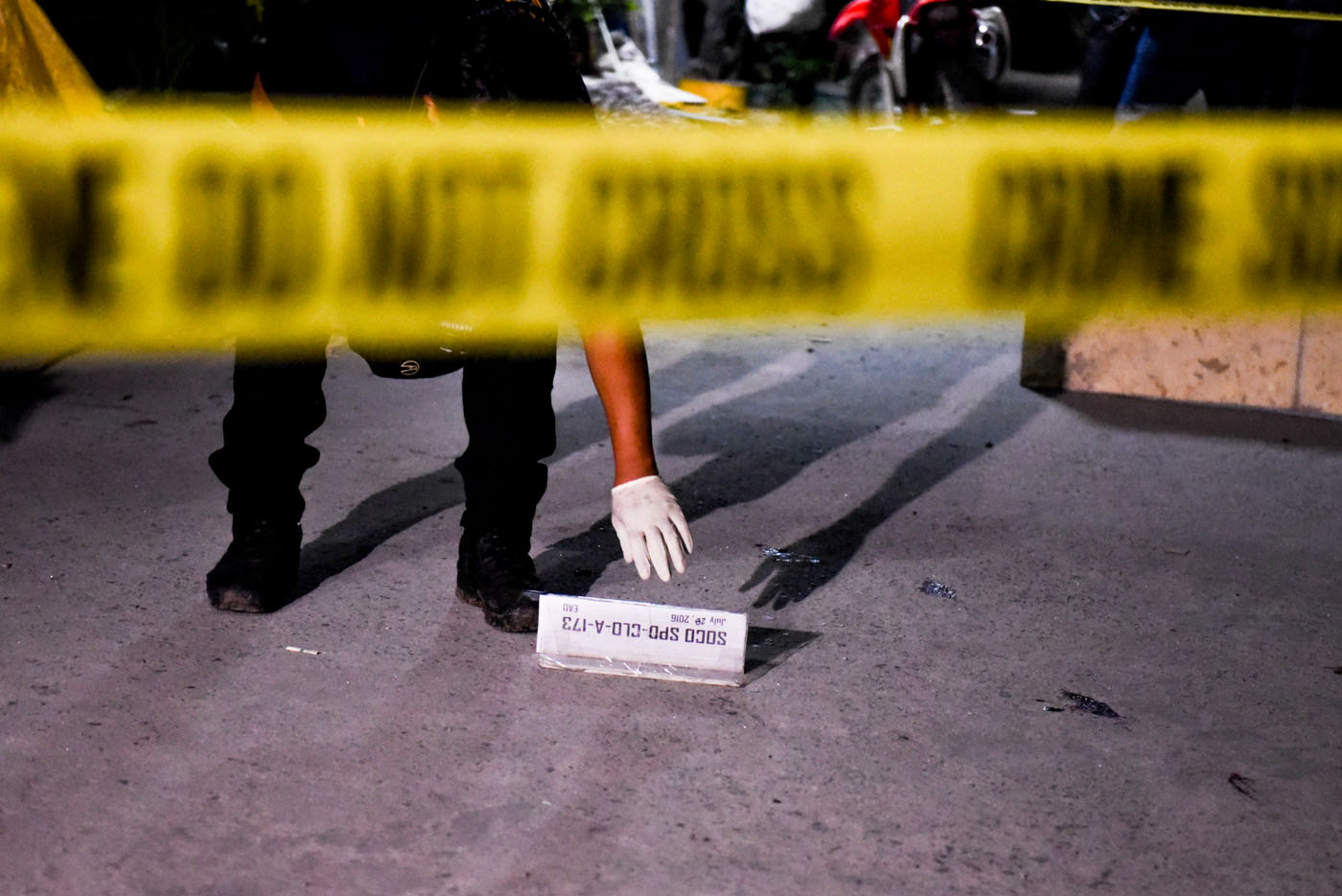 CRIME SCENE. A buy-bust operation in Taguig City on July 28, 2016 ends with deaths. Photo by Alecs Ongcal/Rappler