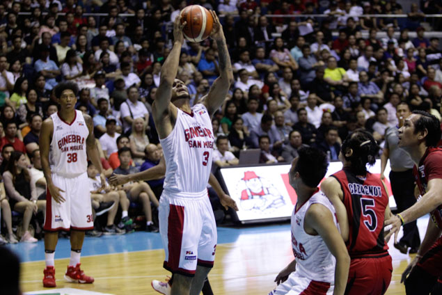 Sol Mercado fought hard to keep Ginebra in the game, pouring 11 of his 20 points in the fourth quarter. Photo by Czeasar Dancel/Rappler
