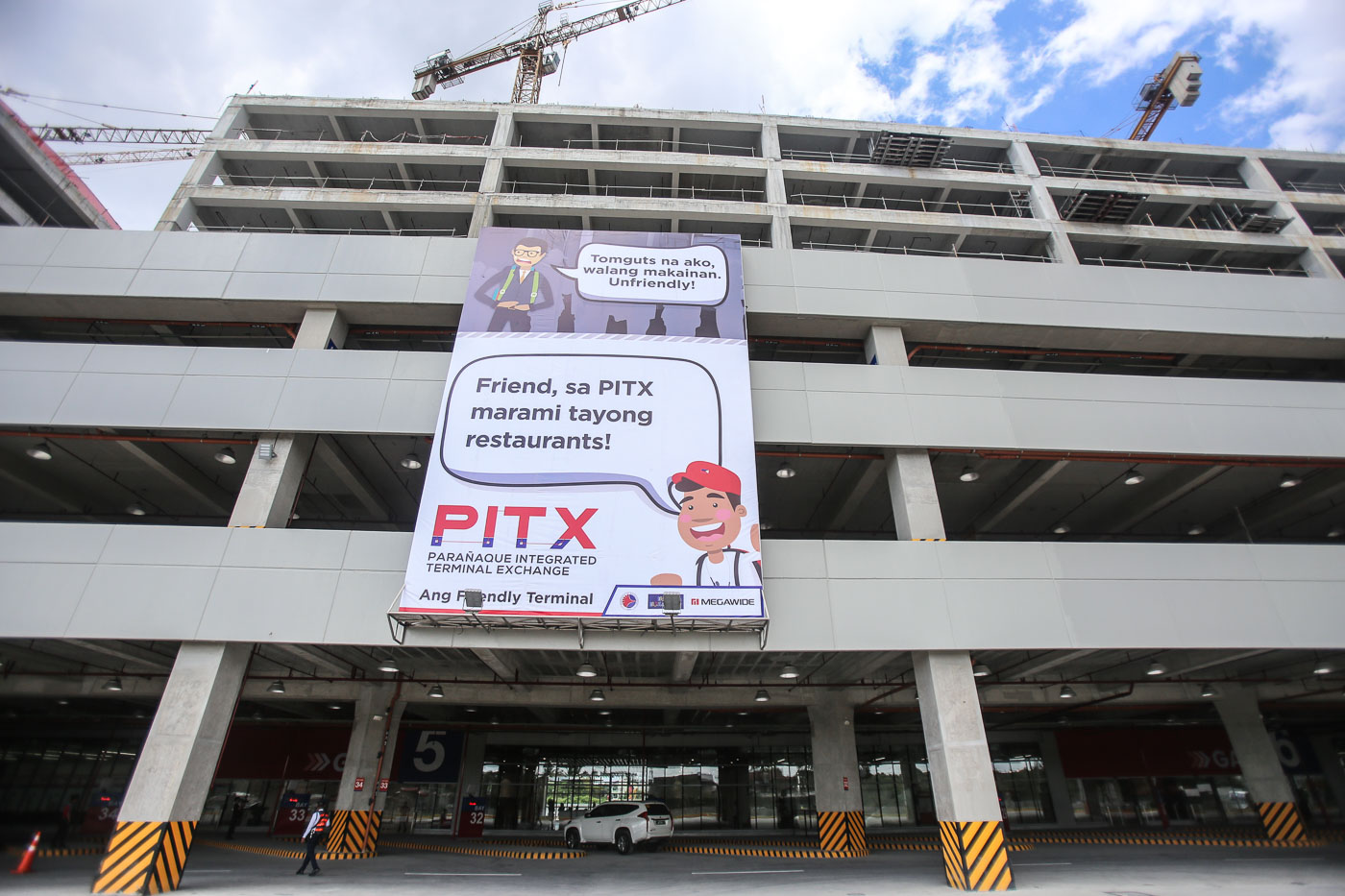 CONNECTIVITY. The PITX will be connected to the Light Rail Transit Line 1 Cavite extension. Photo by Ben Nabong/Rappler