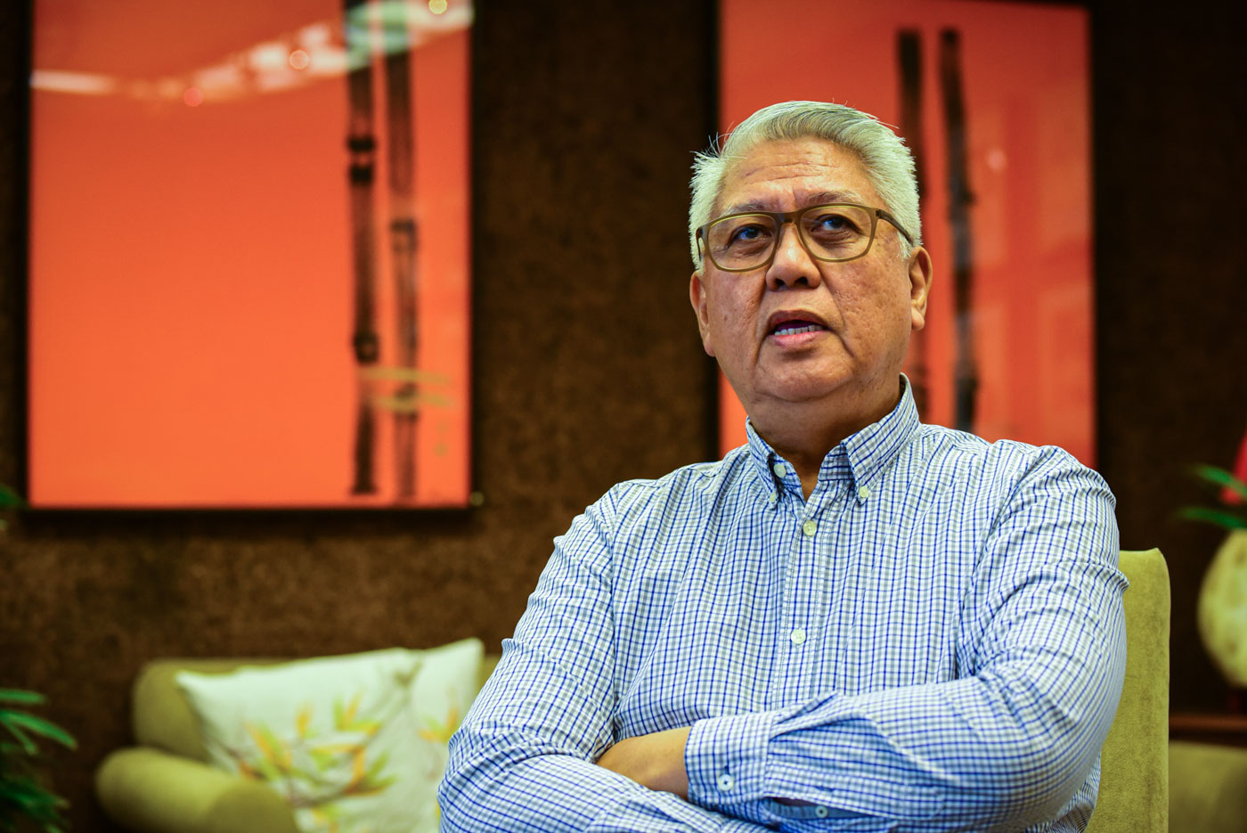 THE MAESTRO. Noe less than National Artist for Music and  2019 Ramon Magsaysay Awardee Ryan Cayabyab compose the new cheer for UP. File photo by Maria Tan/Rappler