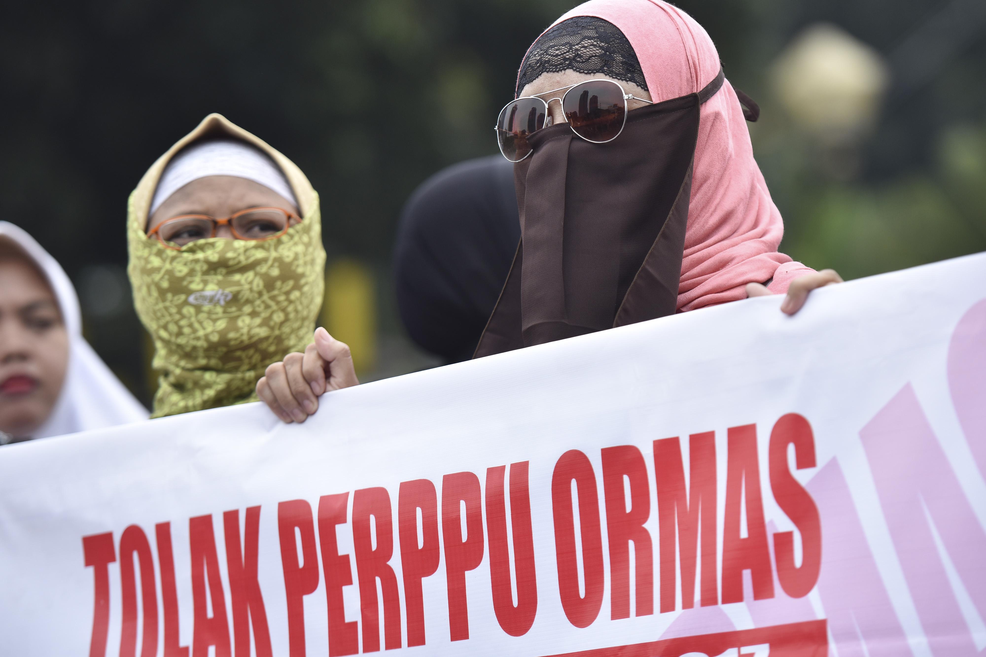 AKSI. Pengunjuk rasa dari sejumlah ormas Islam melakukan aksi di Bundaran Patung Kuda, Jakarta, Selasa, 18 Juli. Foto oleh Wahyu Putro A/ANTARA