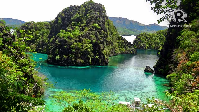CLASSIC CORON BEAUTY. This view on the way to Coronu2019s Kayangan Lake is a famous picture-perfect spot where Coron tourists have their photos taken
