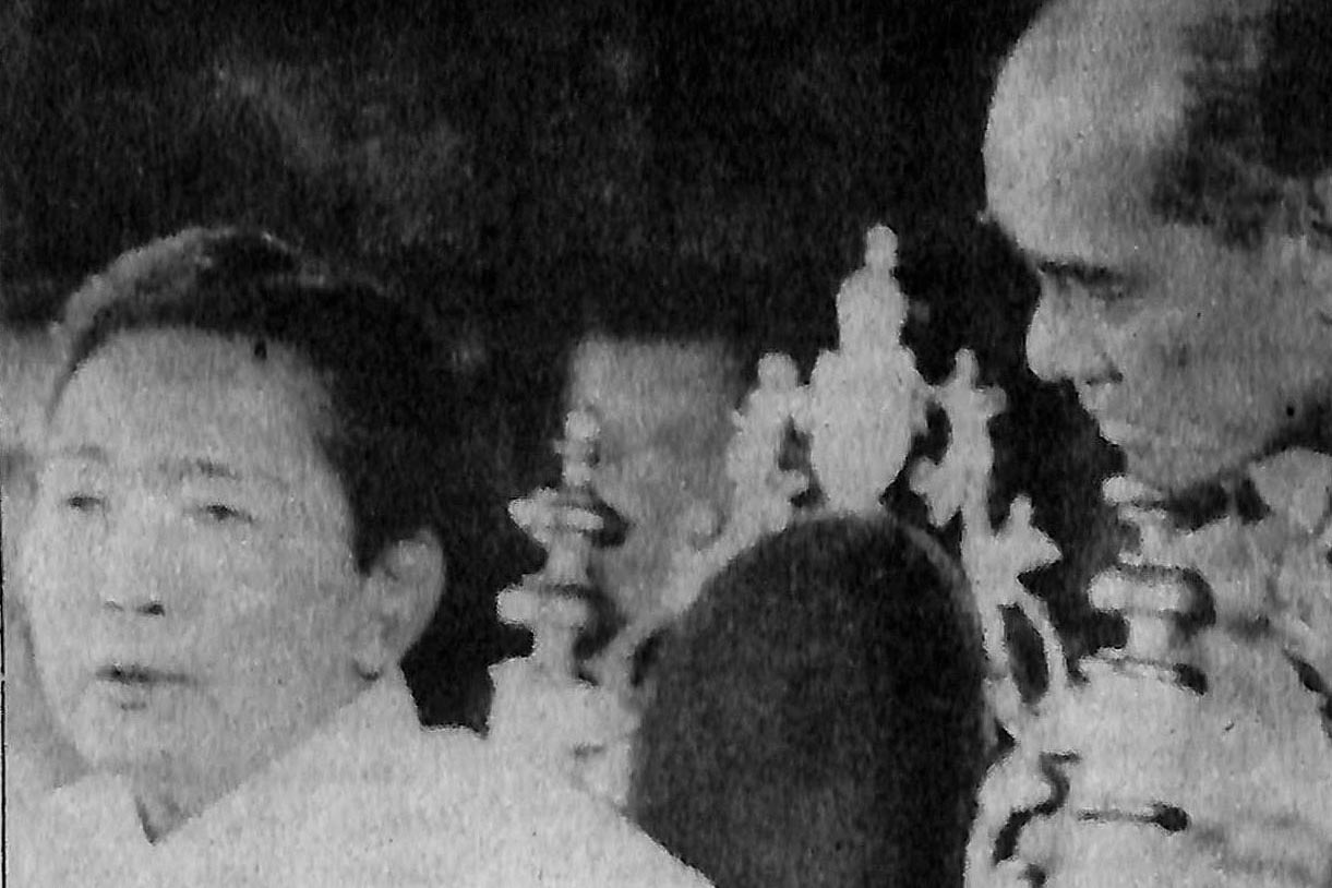 INSTRUCTIONS. Then Gen. Fabian Ver (R) consults then president Ferdinand Marcos in Malacau00f1ang. Photo from the Presidential Museum and Library