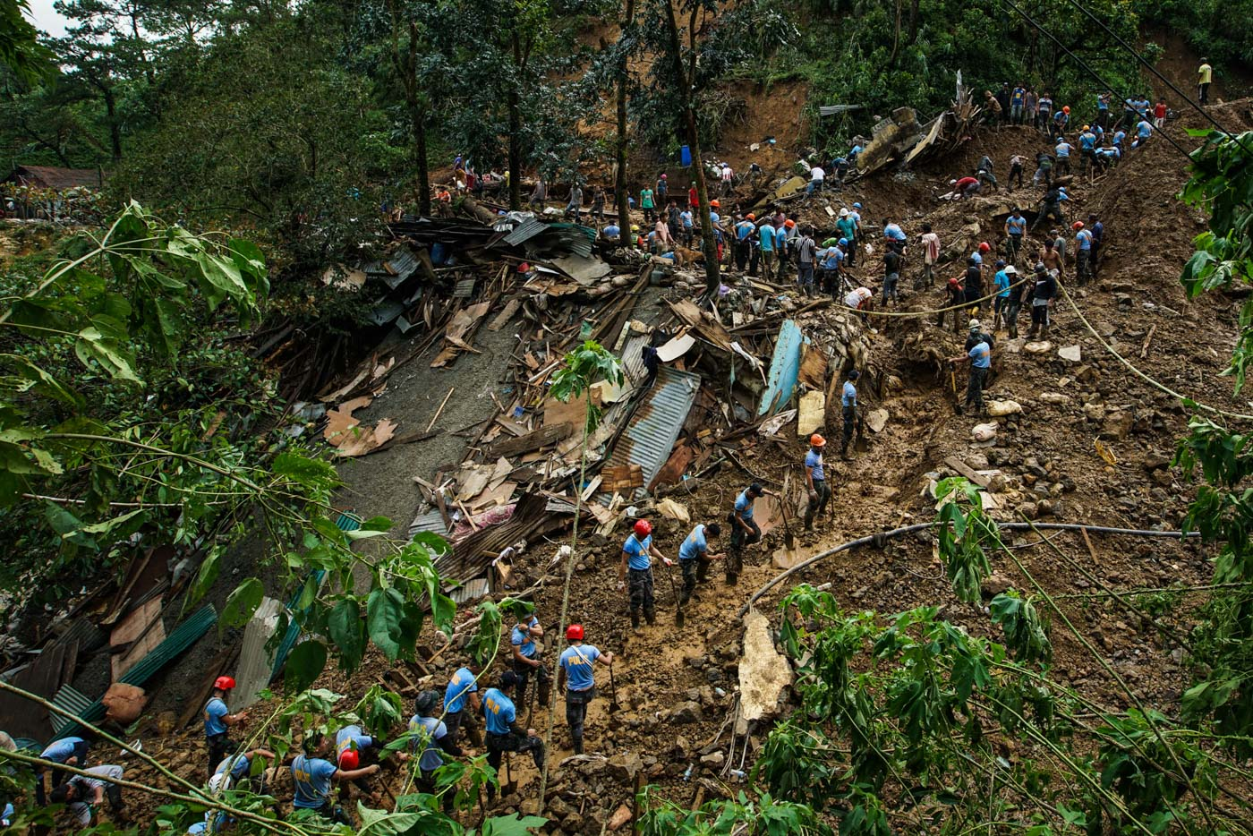 ITOGON. Police and rescue teams continue the search for bodies buried by the landslide in Ucab, Itogon in Benguet, on September 17, 2018. Photo by Jire Carreon/Rappler