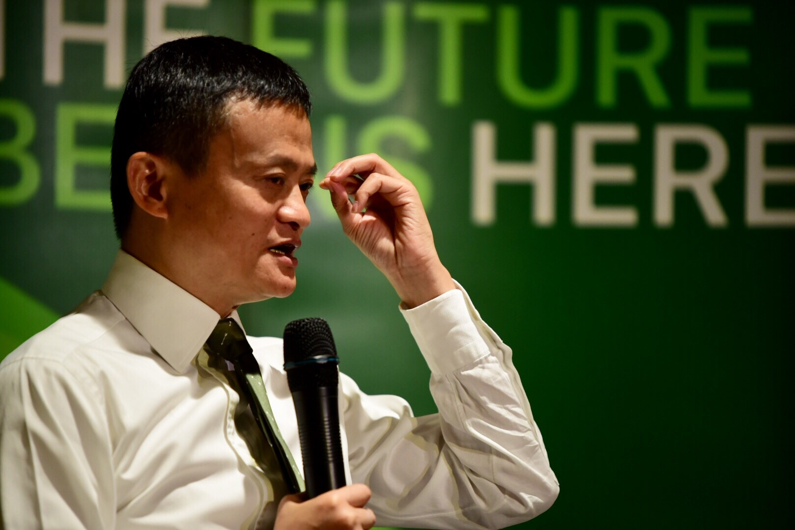 FUTURE READY. Alibaba Group founder Jack Ma flew into Manila for a day in October to be present at the official launch of GCash's scan to pay system. Photo by Alecs Ongcal / Rappler