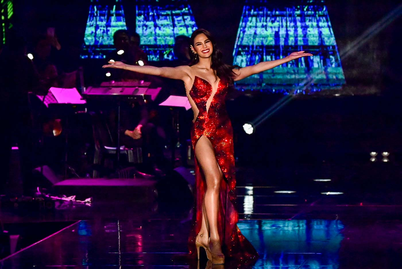 COMING HOME. Catriona Gray during her homecoming special at the Smart Araneta Coliseum last February. File photo by Alecs Ongcal/Rappler