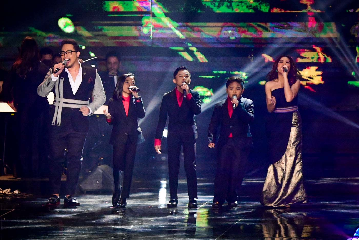 PERFORMANCE. Jed Madela, the TNT Boys, and Morrissette Amon onstage.