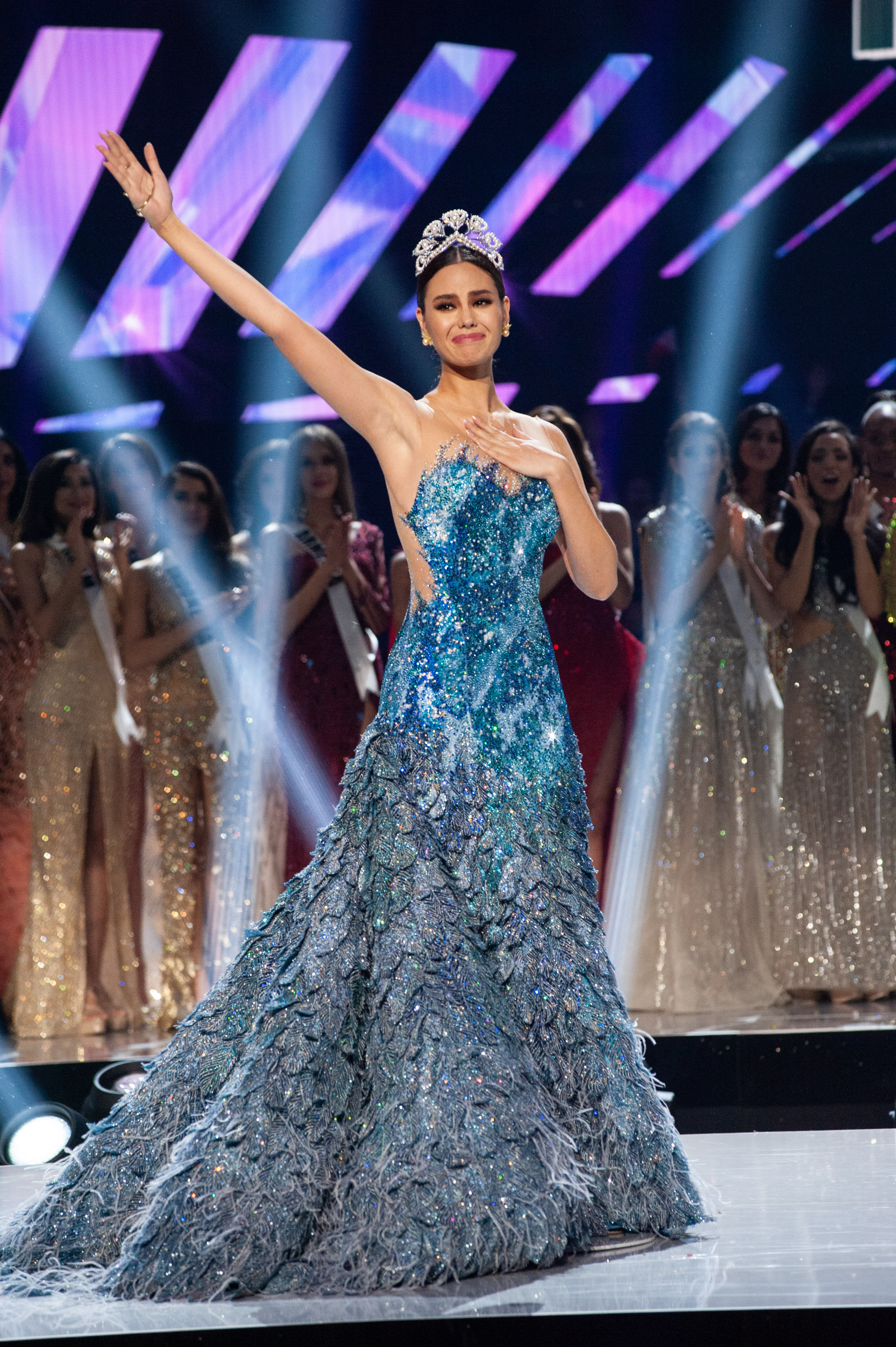 PURPOSEFUL REIGN. Catriona Gray makes her final wave and walk as Miss Universe 2018. Photo courtesy of the Miss Universe Organization