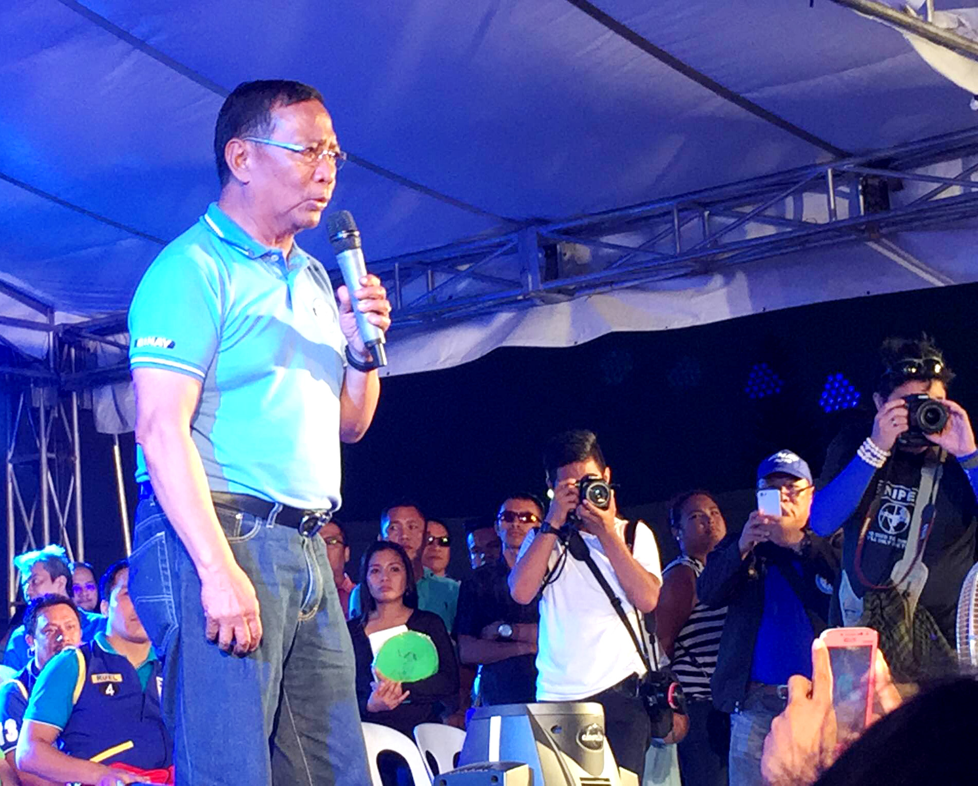 INDIRECT JAB. Without mentioning Duterte's name, Binay indirectly hits his rival during a speech in General Santos City. Photo by Mara Cepeda/ Rappler