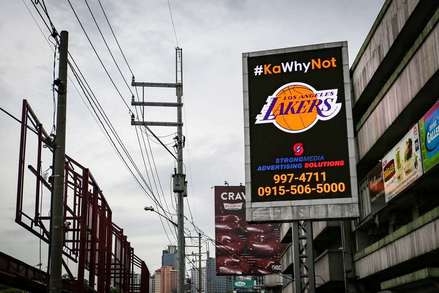 #KAWHYNOT. Filipino LA Lakers fans join the NBA free agency frenzy, urging 2019 Finals MVP Kawhi Leonard to join the Los Angeles franchise through a billboard along EDSA near Ortigas on July 1, 2019. Photo by Jire Carreon/Rappler