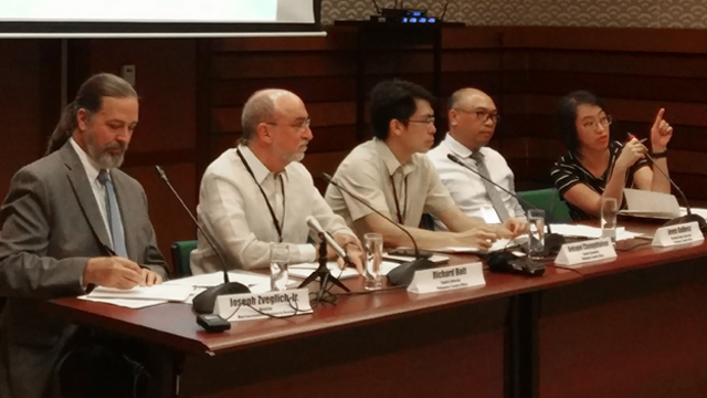 ECONOMIC REVIEW. The Asian Development Bank's economists overseeing the Philippines give an update on the country's growth prospects at the launch of the Asian Development Outlook Update on September 26, 2017 at the ADB Headquarters. Photo by Chris Schnabel/Rappler