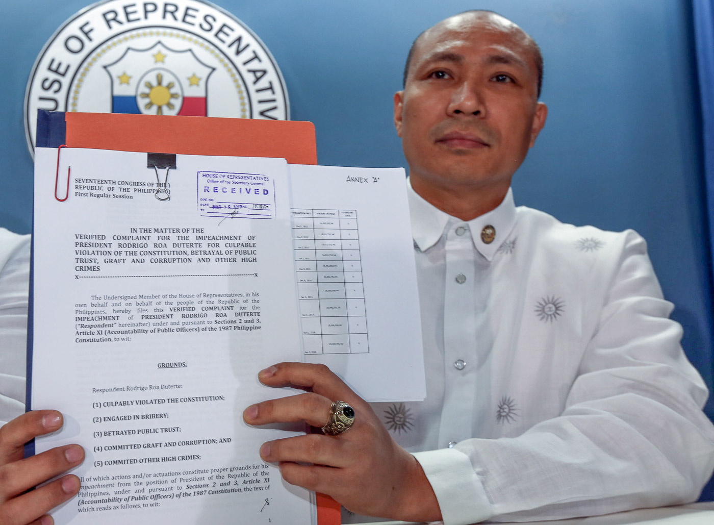 IMPEACHMENT COMPLAINT. Magdalo Representative Gary Alejano shows a copy of the impeachment complaint he filed against President Rodrigo Duterte at the House of Representatives. Photo by Ben Nabong/Rappler