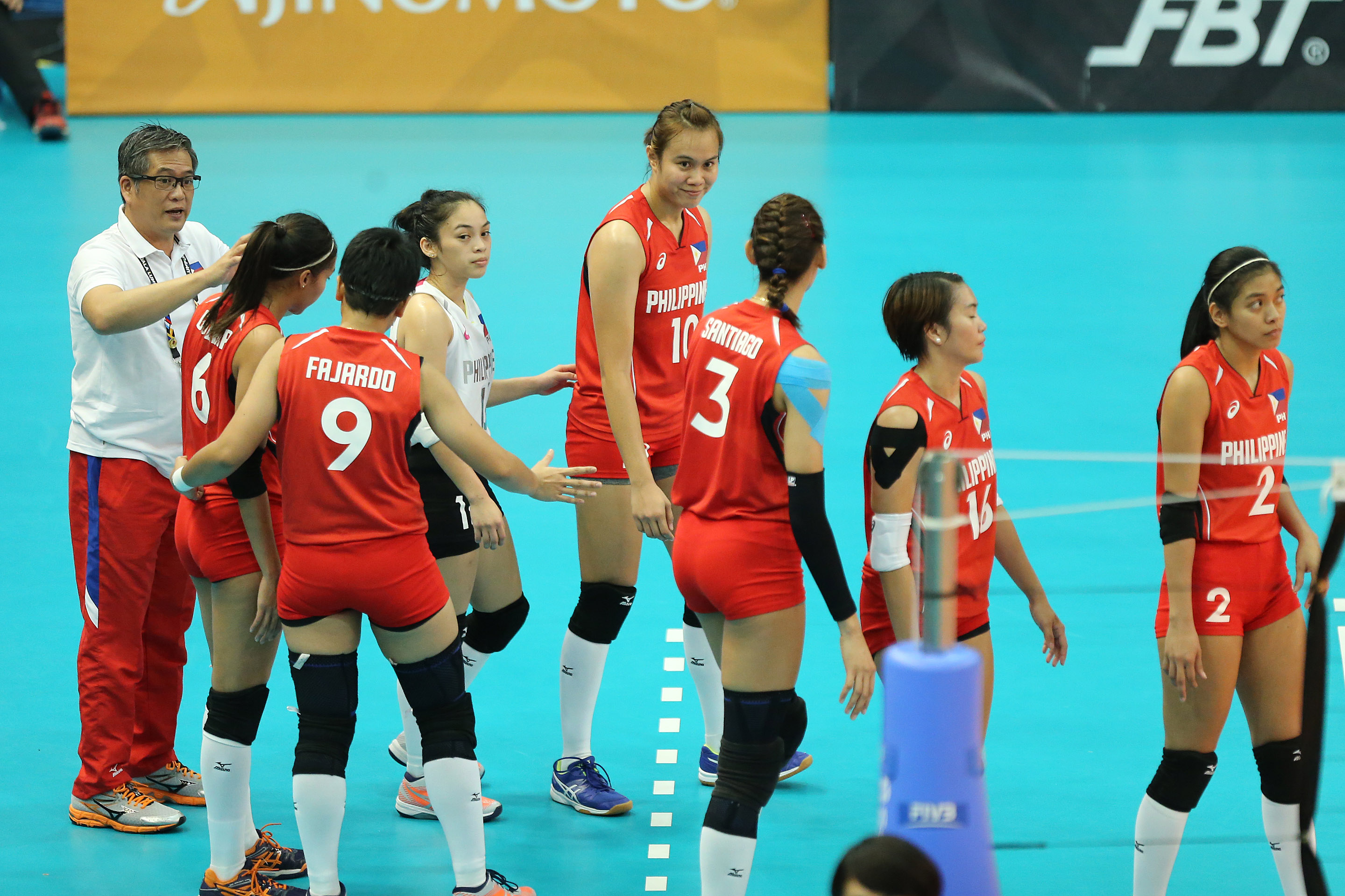 NO PODIUM. The Philippines women's volleyball team, seen here in their last match against Vietnam misses out on the podium at the SEA Games. The team, tearful in the semifinals against Thailand, settles for fourth place. Photo by PSC-POC Media