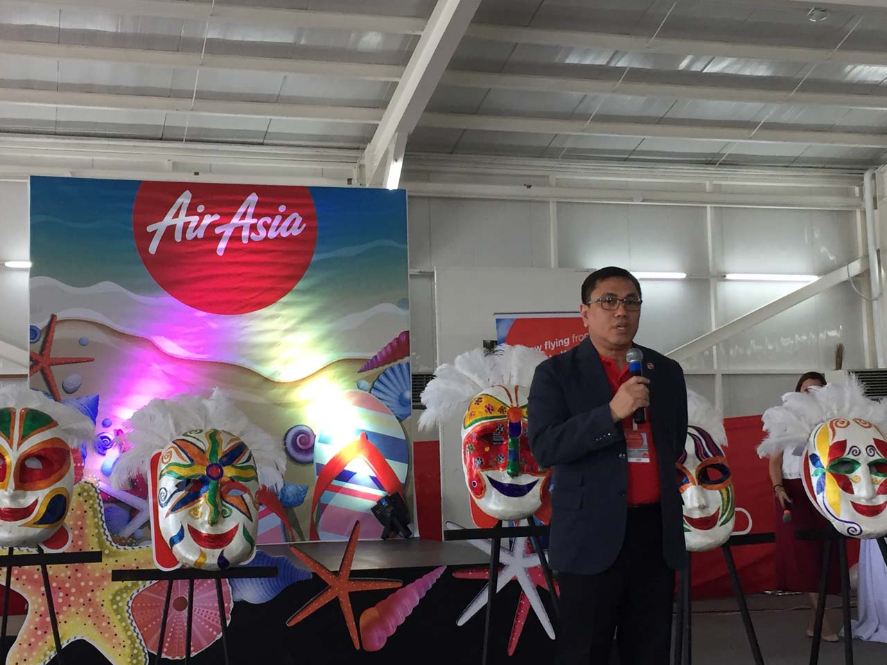 BACK. 'We are thrilled to be painting Clark skies red again,' Comendador says. Photo by Chrisee Dela Paz/Rappler