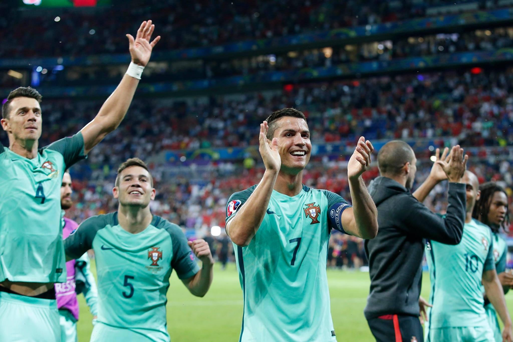 Ronaldo dan Messi bergantian menjadi Pemain Terbaik Dunia selama beberapa tahun terakhir. Foto dari Facebook/selecoesportugal