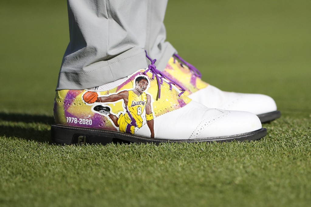 SHOE ART. A detail of the shoes worn by Justin Thomas honors former NBA star Kobe Bryant. Photo by Katelyn Mulcahy/Getty Images/AFP