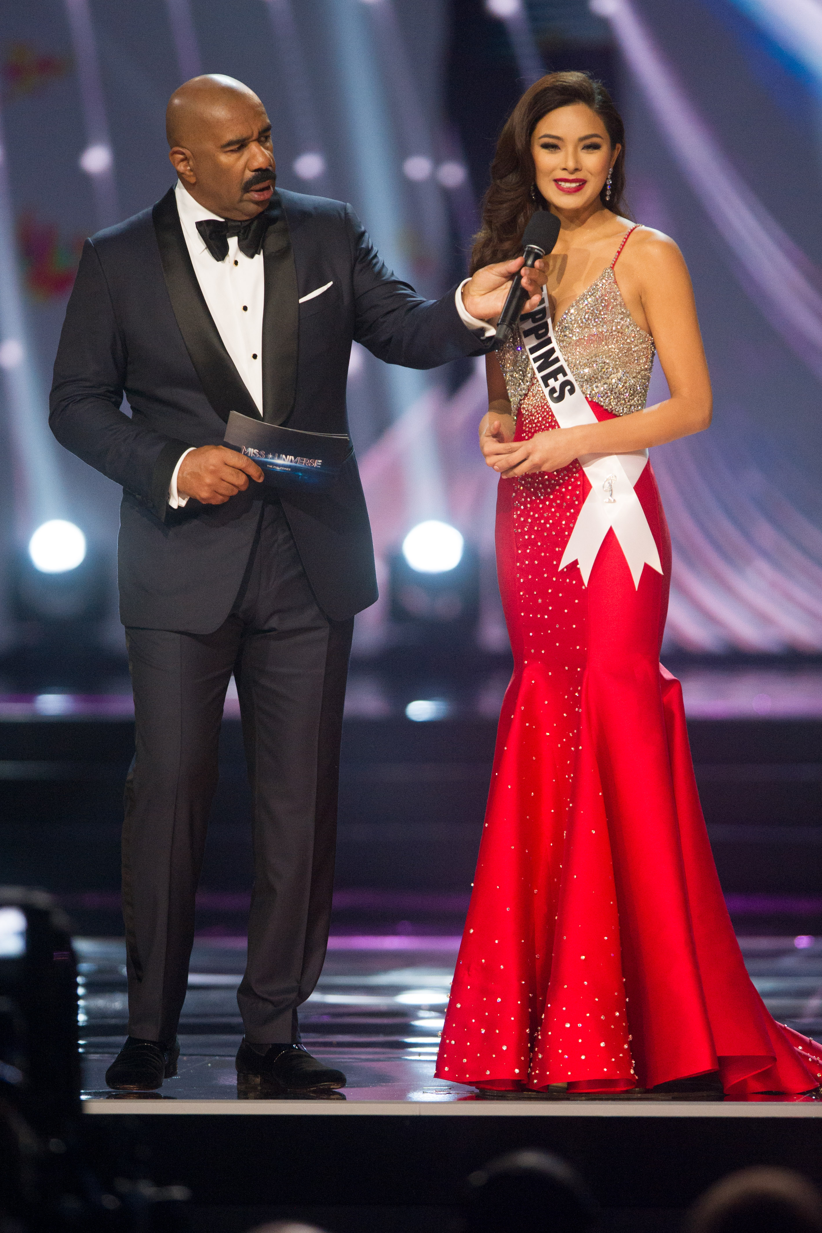 Qu0026A. Maxine Medina, Miss Philippines 2016 answers her Top 6 Question on stage with Host, Steve Harvey. HO/The Miss Universe Organization
