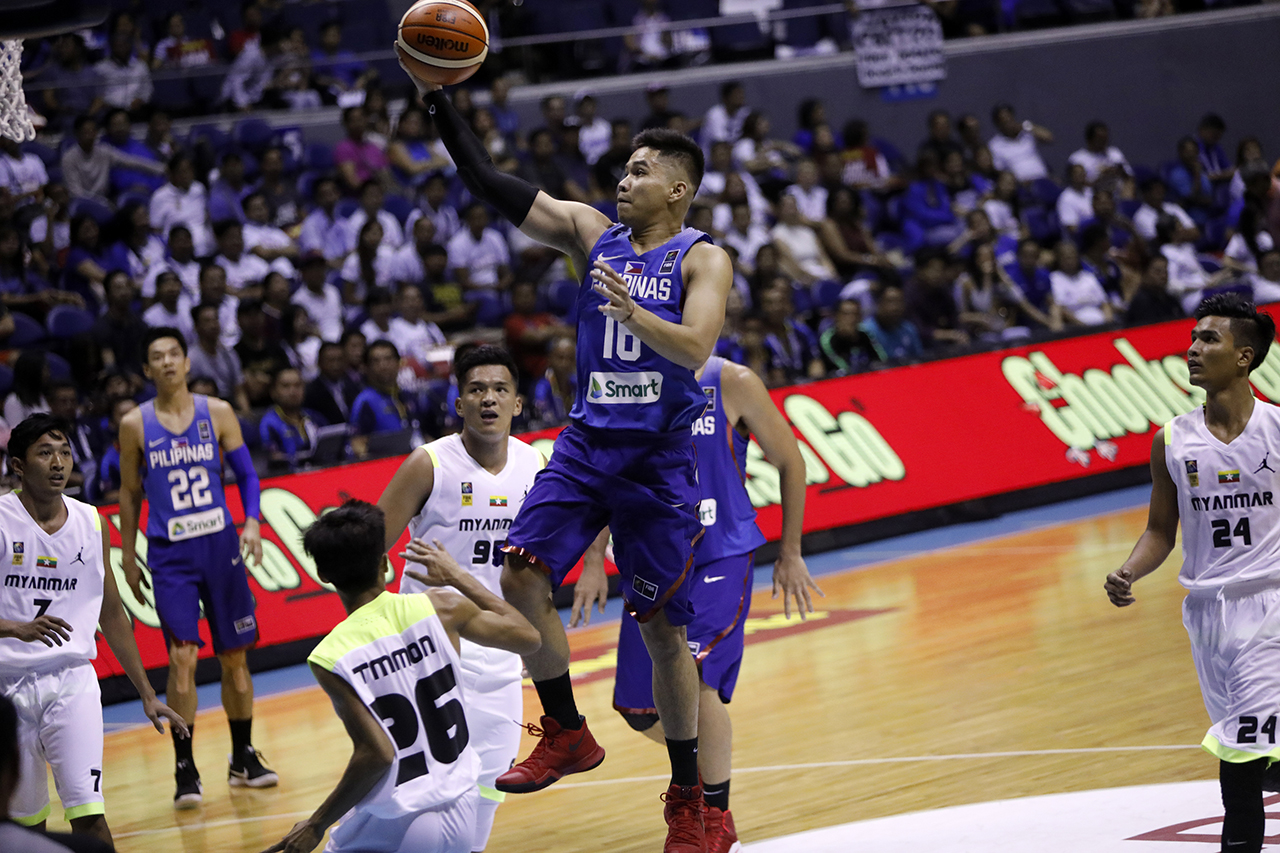 RR Pogoy attempts a layup. Photo by PBA Images
