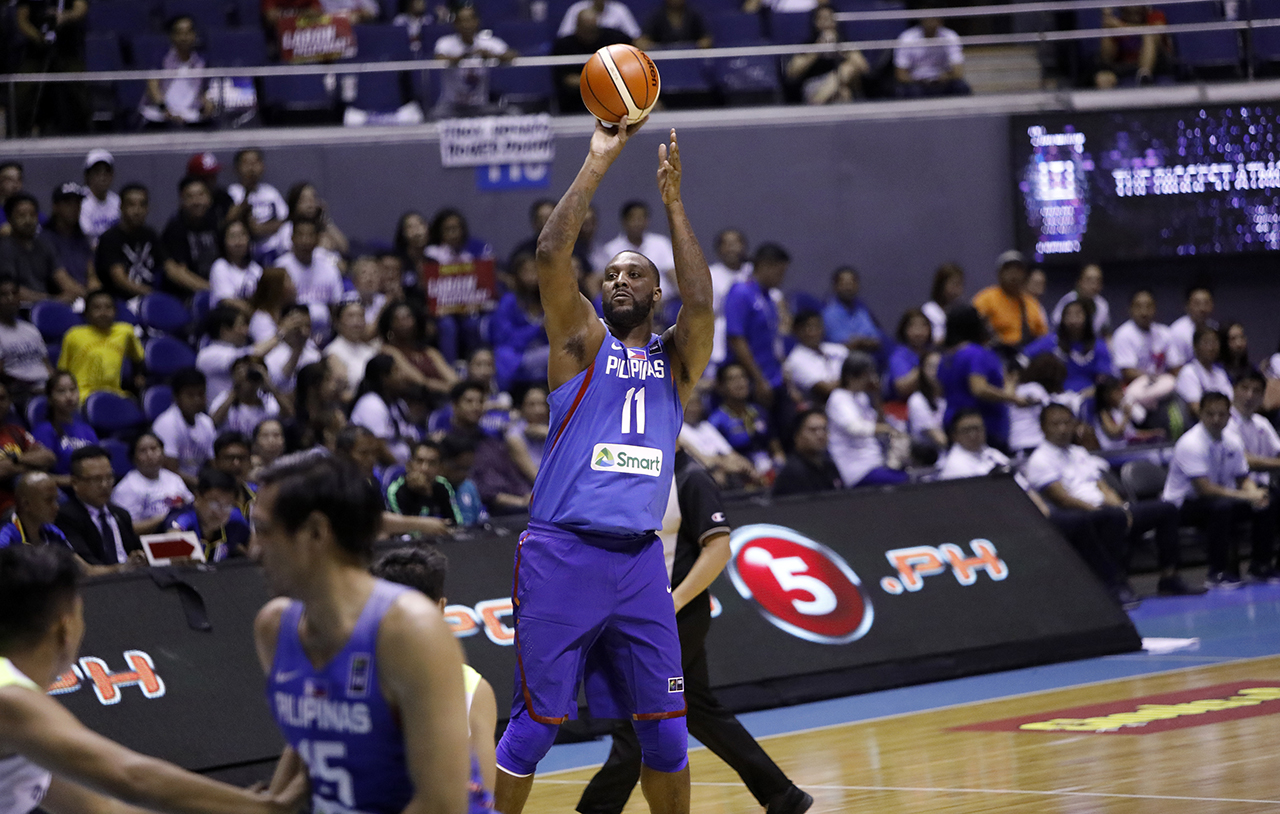Andray Blatches puts up a jumper. Photo by PBA Images