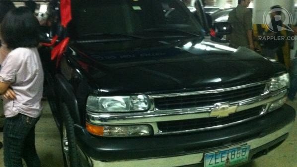 CORONA'S CAR. Why was the Chief Justice's car waiting for him at the Senate basement? Photo by Natashya Gutierrez