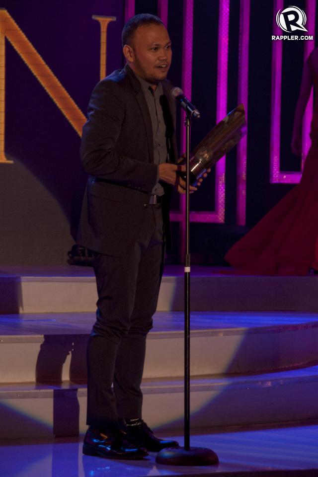 BEST DIRECTOR. Adolfo Alix Jr accepts his award for 'Mater Dolorosa'