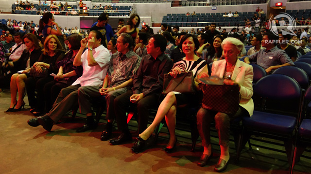 PEOPLE BEHIND THE PAGEANT. Stella Marquez Araneta (second from left) and artist Betsy Westendorp (far right, in white) at the front row