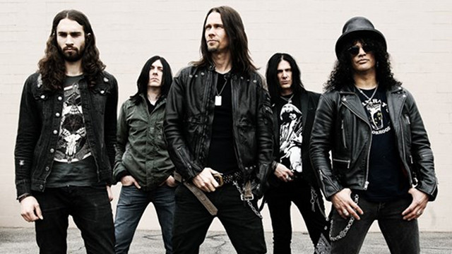 FULL TEAM AHEAD. Slash and his tour mates: (from left) rhythm guitarist Frank Sidoris, drummer Brent Fritz, lead singer Myles Kennedy and bassist-backing vocalist Todd Kerns. Photo from songkick.com