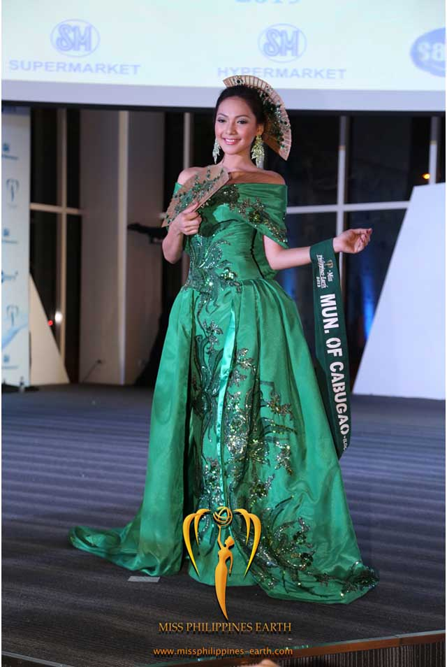 CULTURAL COSTUME COMPETITION. Jannie Loudette Alipo-on at the cultural costume competition on April 19 at SM Mall of Asia, Pasay. Photo courtesy of Carousel Productions