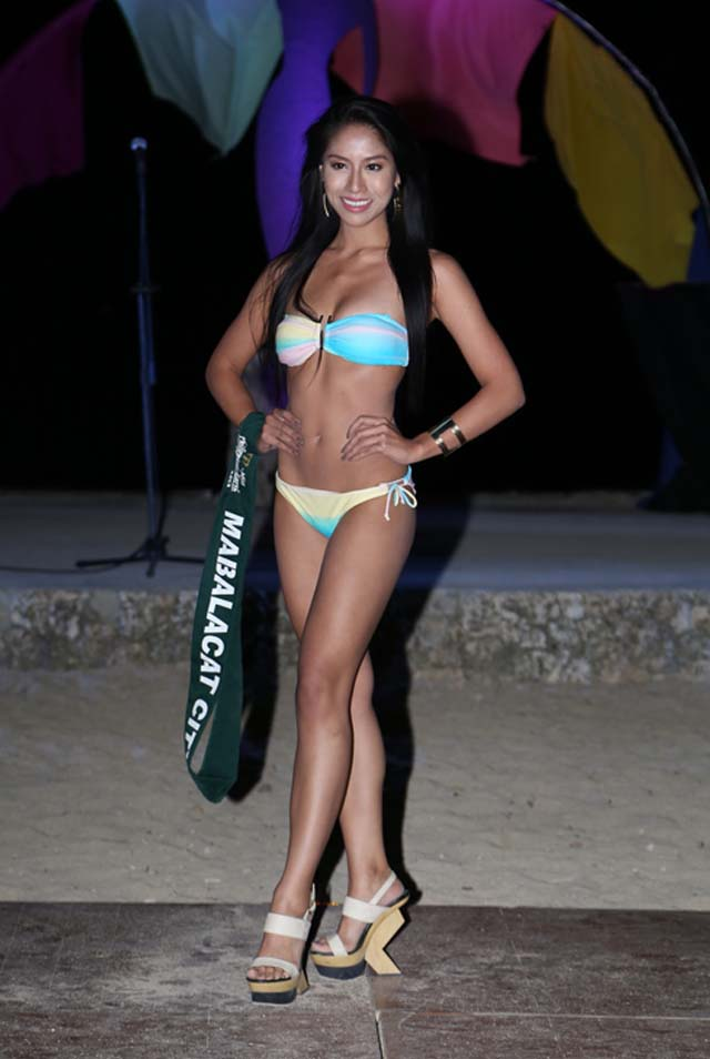 SWIMWEAR COMPETITION. Aura Donna Garon at the swimwear competition on April 13 at Golden Sunset Resort, Batangas. Photo courtesy of Carousel Productions