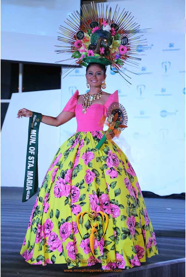 CULTURAL COSTUME COMPETITION. Bernadette Mae Aguirre at the cultural costume competition on April 19 at SM Mall of Asia, Pasay. Photo courtesy of Carousel Productions