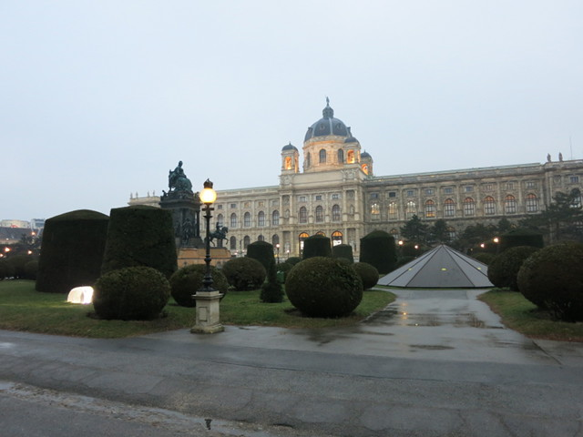 Maria Theresien Platz, with the Museum of Natural History in the background
