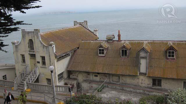 THE FORTRESS. Alcatraz was once the home of notorious crooks like Al u201cScarfaceu201d Capone and George u201cMachine Gunu201d Kelly