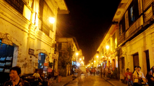 BEAUTIFUL DAY AND NIGHT. Viganu2019s old houses and cobblestoned streets are worth a walk any time of the day. Photo courtesy of Endette Mendoza and Kaiye Pallarco