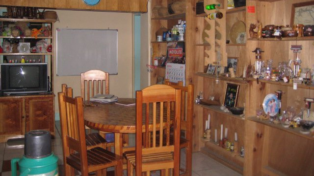HOMEY ATMOSPHERE. The receiving room in the first floor. Here, visitors can have a little chit chat with Tita Mary or spend time with travel buddies while drinking coffee. Photo courtesy of Eleazar Cuela