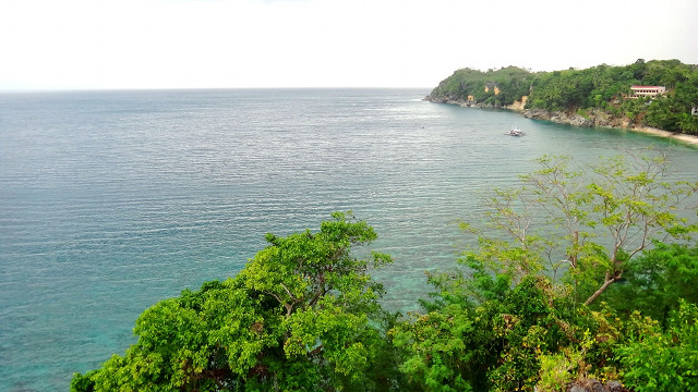 SEA, SEA, AND MORE SEA. The view from Guisiu2019s lighthouse. Photo by Rhea Claire Madarang